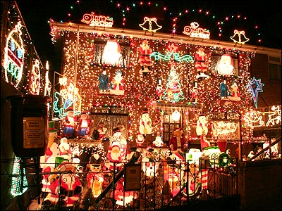 The cardinal sins of christmas decorating mmwords for Home christmas decorations uk